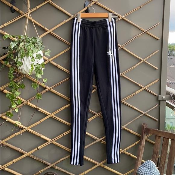 Adidas Original Black Stripped Joggers/leggings